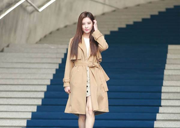韓星看秀就是腳勤!2016春夏首爾時裝周台上比潮流,台下比行頭!
