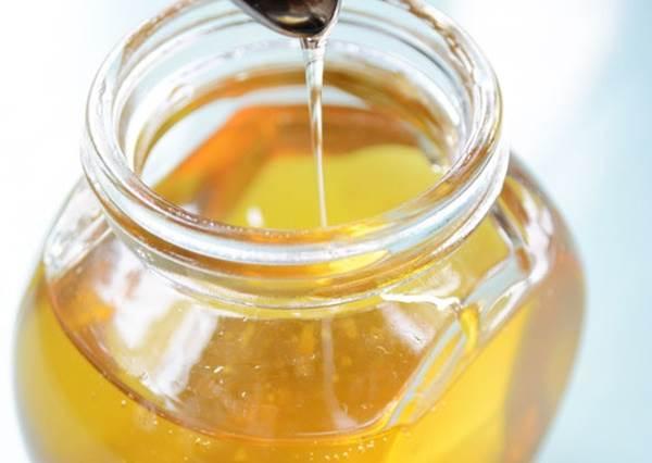 默默吃到假的還沒發現?教你用3大招判斷蜂蜜的真假優劣,從此每一口都是正港濃純香!