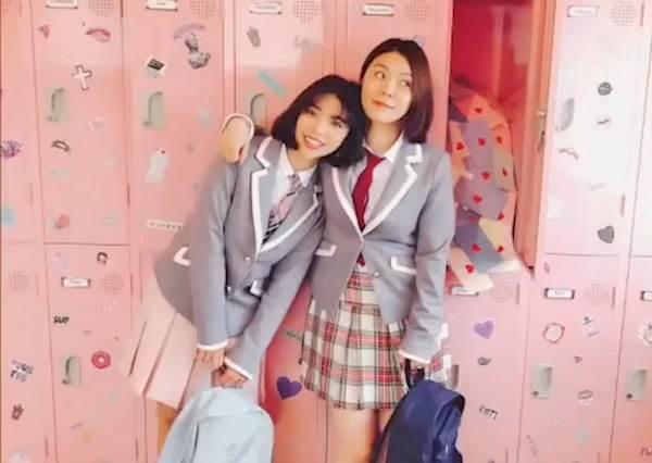 跟閨蜜一起化身韓劇學生妹❤ 韓國校服體驗夢幻無極限,只差一個歐巴男主角了啦
