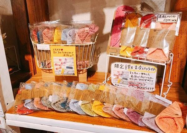 跟黏膩不適感Say Bye!日本「布衛生棉專賣店」超欠逛,花色又多又可愛直接選擇障礙了啦~