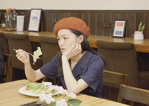 喝口湯肚子就已經撐到不行,小鳥胃的煩惱?別騙了!!妳想要當小鳥胃還是大胃女呢~?