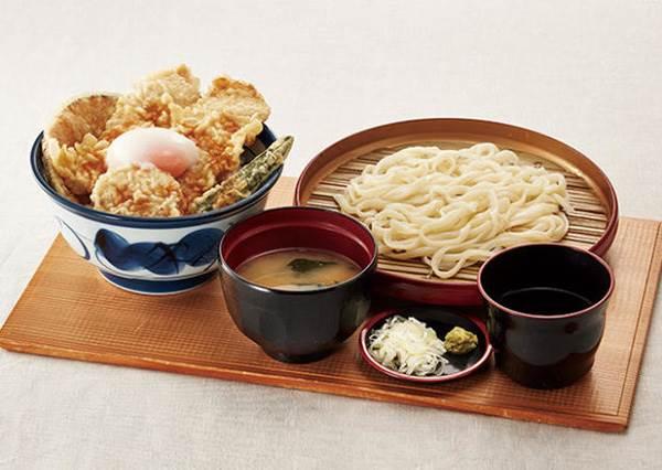 點一碗飯送妳超豪華配料!日本平價「丼飯之王」秋季新品超欠吃,還能加點炸物根本犯規啦~