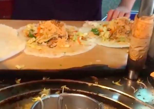 潤餅滿滿餡料超佛心!雙連站「人氣美食」全攻略,一個人吃泰式料理也能有HEN文青~