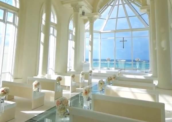 想結婚先等兩年!沖繩「純白教堂」GET海島婚禮超浪漫,就算只是拍照也是夢幻100%啊♡