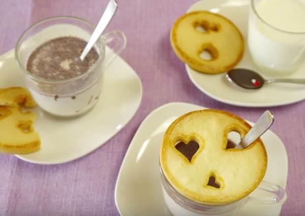 你平時喝牛奶會不會配餅乾,有個達人用最聰明的方法把這兩個結合了...
