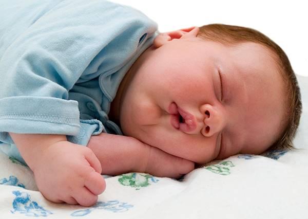 影音/寶寶實況轉播 媽媽說吃東西不能打瞌睡...我就是忍不住嘛!