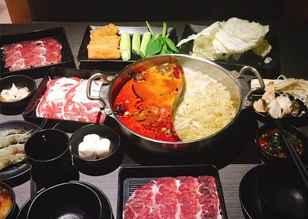 想吃大魚大肉又不想花太多?等你來吃垮的《超值吃到飽餐廳Top10》出爐,還有和牛給你吃到爽!