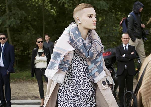 入秋風衣怎麼穿?巴黎型人們的風衣特輯!