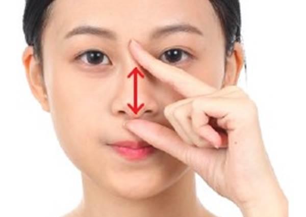 終於不用只靠嘴巴呼吸啦!教你用4步驟輕輕按摩鼻子穴道,舒緩堵塞止鼻水,找回好精神!