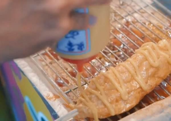 吃到停不下來!台中「旱溪夜市」美食TOP 7,綿密小鬆餅+菱角酥通通都要來一份啊~