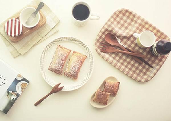 熟透的蘋果變身創意甜點!吐司2片+叉子壓下,美味的蘋果派就出爐啦!