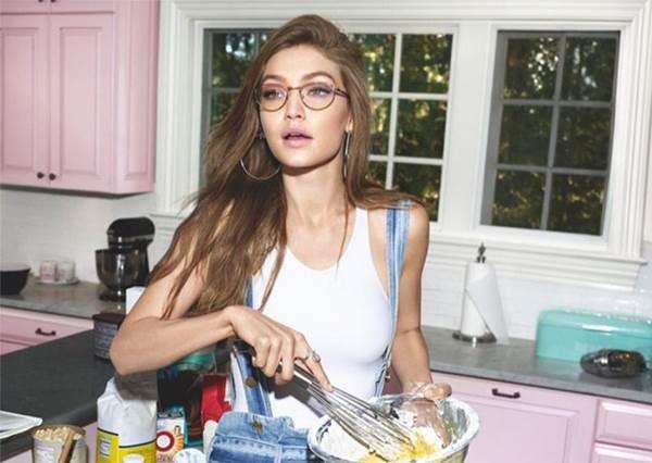 戴眼鏡只能配素顏?!眼鏡系女孩的「3大化妝TIPS」:降低眉毛的存在感HEN重要~