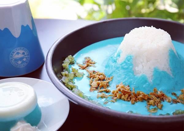 人人都能把富士山大口吃掉?日本必訪咖啡廳「藍咖哩、鬆餅」,神複製富士山顏色、海拔高度!
