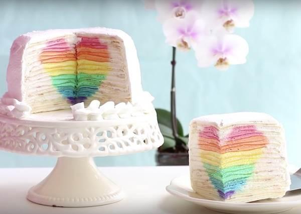 不需要烤箱!韓妞示範「彩虹愛心千層蛋糕」原來也能自己DIY