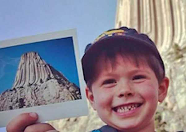 5歲你還在吃棒棒糖的時候,這位小男孩已經擁有十幾萬粉絲…