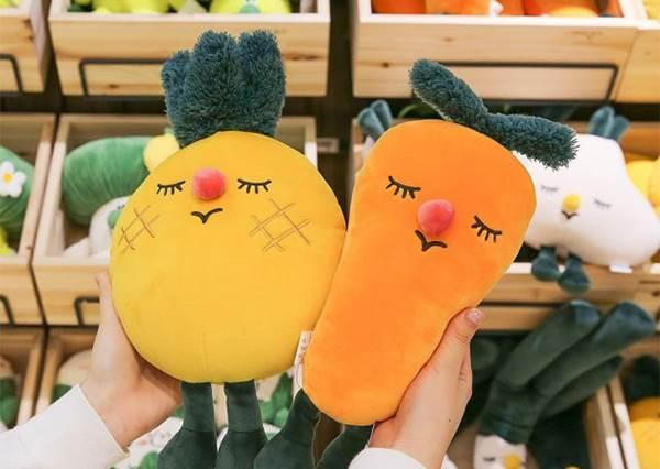 老闆請問可以買菜送蔥嗎?韓國「Q版蔬菜娃娃」任你挑,就算是偏食寶寶也會乖乖購入啊~