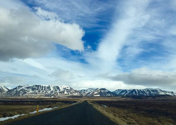 一起追極光去!冰島「租車自駕」全攻略,不只省錢省下的時間又能多踩其他景點啦~