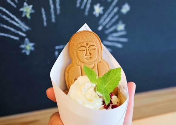 神明掛保證的美味♡日本「佛系甜點」莊嚴形象一秒反差萌,吃貨們絕對是有吃有保佑啊~