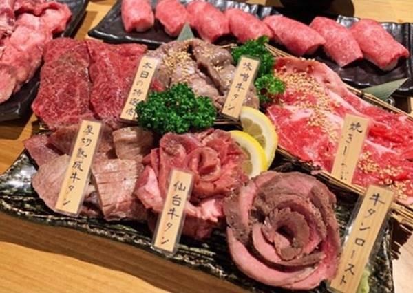 日幣1000有找!東京「CP值認證燒肉」俗又大碗不怕你吃,還有火鍋、壽喜燒配著吃超滿足~