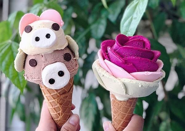 姐吃的是浪漫♡台南「玫瑰花冰淇淋」一不小心就拍到融化,還有超Q豬豬怎麼捨得吃~