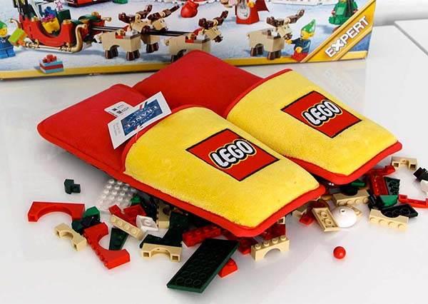【LEGO推出1500雙拖鞋】該買來一吐多年怨氣了 甚麼竟然只送不賣!?