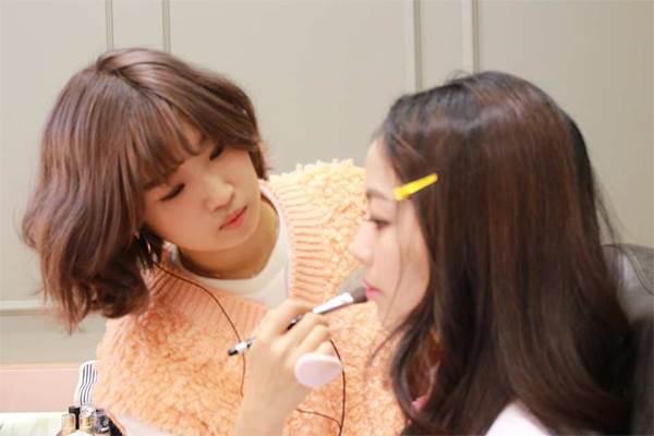 從妝髮到指甲通通打理好!韓國5間「彩妝工作室」推薦,改造完準備巧遇歐巴啦♡