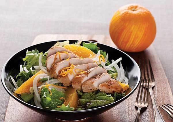 雞胸肉佐沙拉DIY食譜:好吃的關鍵醬料竟然是用柳丁汁跟韓式味噌相拌而成?!