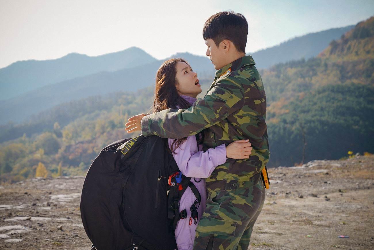 根本是台灣版《愛的迫降》!台灣女子與北韓男子展開超浪漫的異國戀,虐心程度不輸韓劇啊~