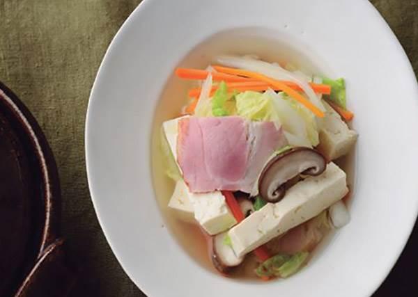 千絲蔬菜鍋食譜:只要有這味湯底,丟什麼青菜進去都好吃啊!
