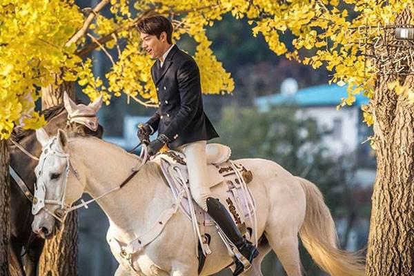 30秒預告超霸氣!李敏鎬回歸新劇《The king:永遠的君主》:「我是大韓帝國的皇帝!」