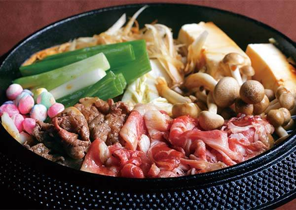想吃自己DIY~連日本人都甘拜下風的壽喜燒,原來好吃的秘訣竟然是這個…
