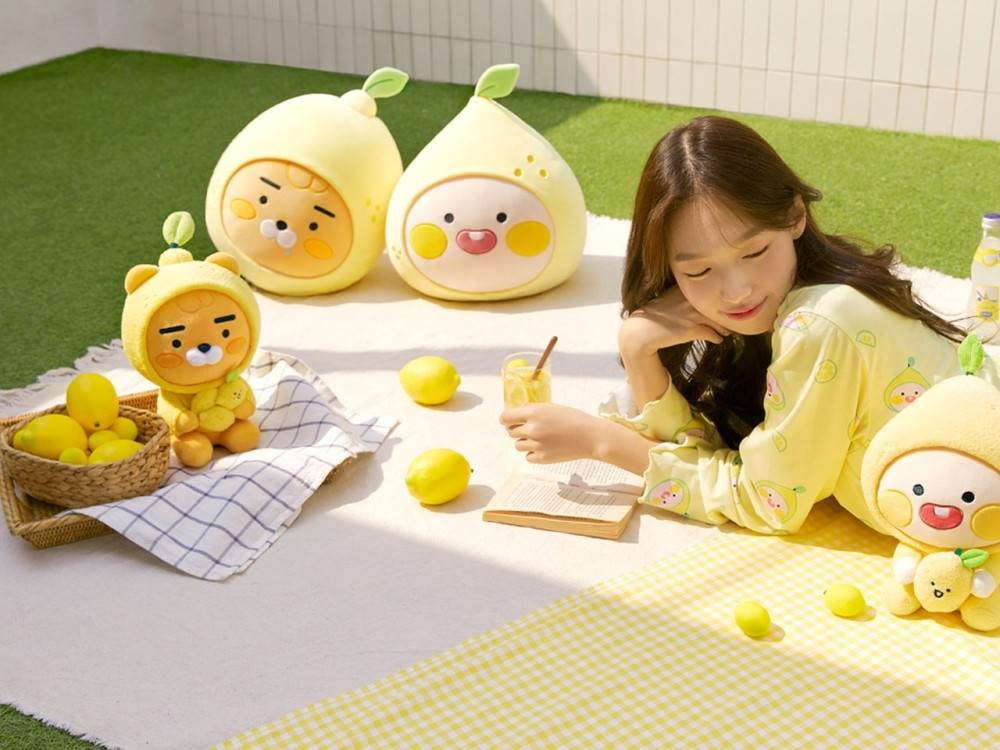 Ryan和屁桃陪你過夏日!KAKAO FRIENDS全新「夏日檸檬系列」,睡衣&抱枕有讓人想一直宅在家的魔力♥