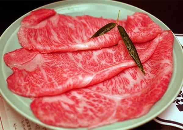 還不快手刀前往!日本超人氣百年壽喜燒老店,一日高級和牛吃到飽,剛推出預訂已秒殺!