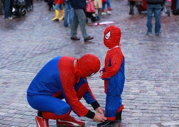 蜘蛛人老爸雖然救不回自己的兒子,但他決定成為真正英雄拯救更多生命!