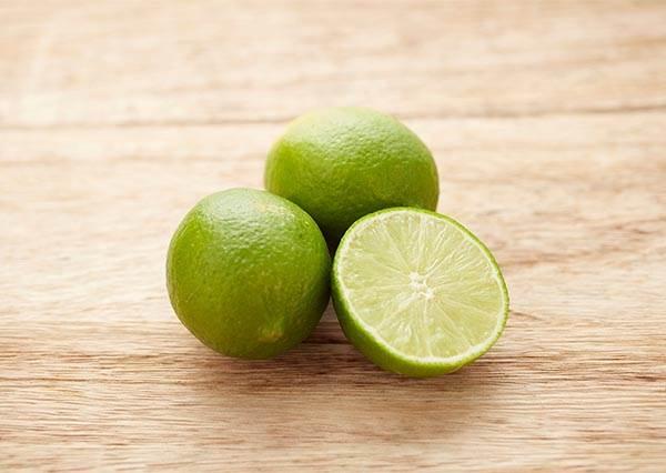 原來每天一杯檸檬水的功效這麼神!可以促進傷口癒合還防止血管栓篩~
