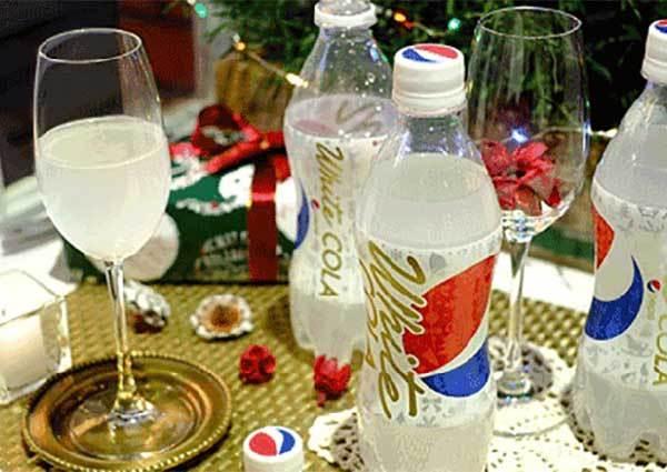 拿在手上就是潮!日本期間限定白色百事可樂,猜猜是什麼口味?