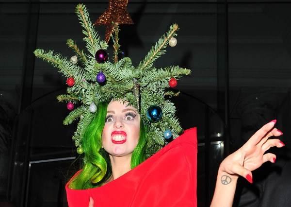 天生麗質想歪也沒辦法...那些試圖要當邪惡版聖誕老人的明星們!