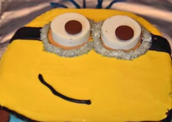 根本不用烤箱!小小兵蛋糕這樣簡單做,麵包店都要失業了...