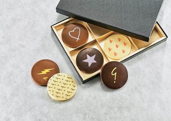 跟它聯名的巧克力一定熱銷啊!日本10款情人節愛心甜點,吃一口就又像回到初戀一樣~