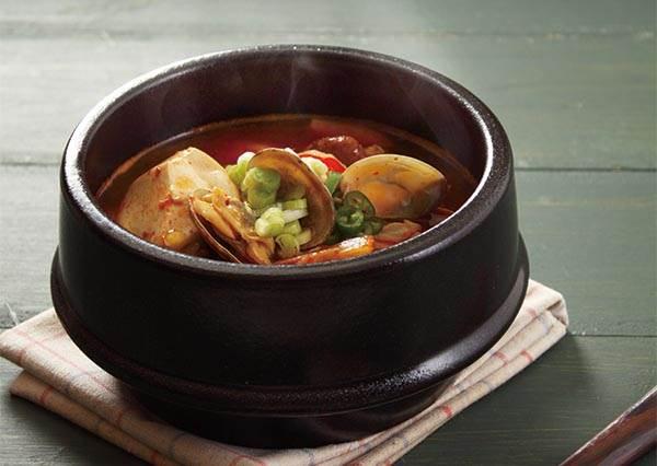 韓食控快進!辣鍋中的極品「韓式豆腐鍋」,原來要在第4步驟加了這個才會一吃就上癮!