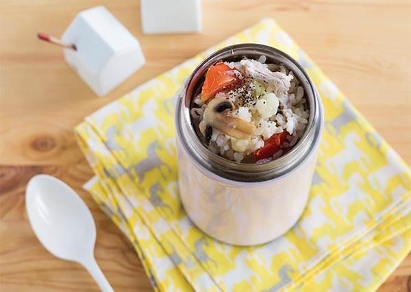 不加油也能做番茄燉飯?!把食材全塞進罐子裡,外加磨菇不但更美味還能清腸胃!