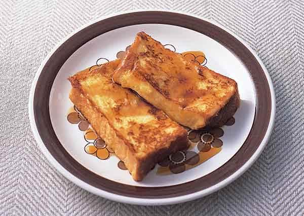 咬一口絕對嘴角上揚!先在蛋裡加這些再下鍋煎,就能簡單煎出香嫩金黃色法式吐司!