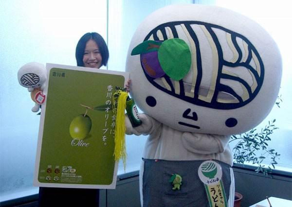 香草冰淇淋搭這種油意外超好吃?!香味濃郁又清爽,自動升級成日本家政婦私藏萬能油!