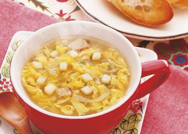 喝湯就能預防感冒?!跟著「馬鈴薯大蒜蛋花湯」食譜在家簡單做,有效又美味!