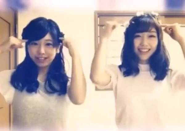 這個一定要感情好才能完成的「雙胞胎舞」不但讓日本女高中生陷入風靡,聽一遍後連網友們也技癢?!