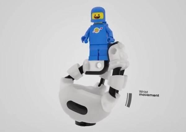 FUN!超酷的樂高機器手臂~讓殘障的孩子創造專屬、有趣又好玩的樂高手臂!