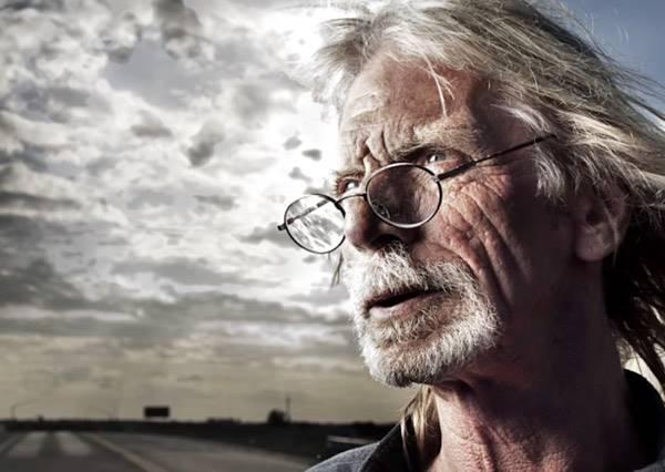 超吸睛唯美攝影作品!攝影師用光影變化照出無家可歸的人的肖像,提醒大家他們也一樣是人!