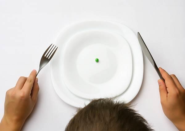 大家都說想瘦就不能吃消夜?  實驗意外發現:晚上進食瘦更多, 還改善代謝健康?