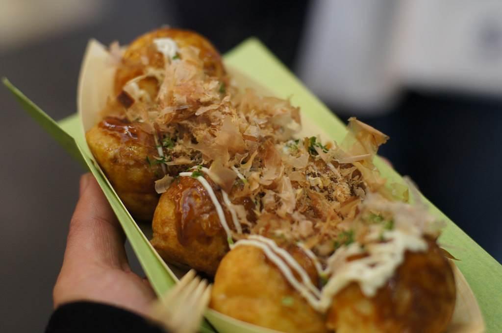 在日本吃章魚丸子就算一個人也會給2根牙籤? 內行人的專業吃法絕對和你不一樣!