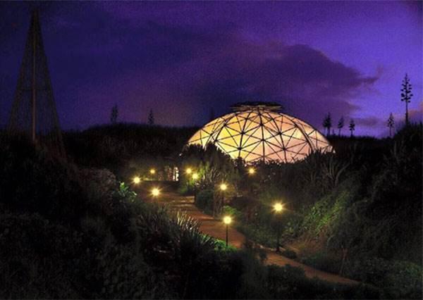 《澎湖新景點再+1》滿遍的仙人掌,還可以看到馬公整片的無敵夜景!